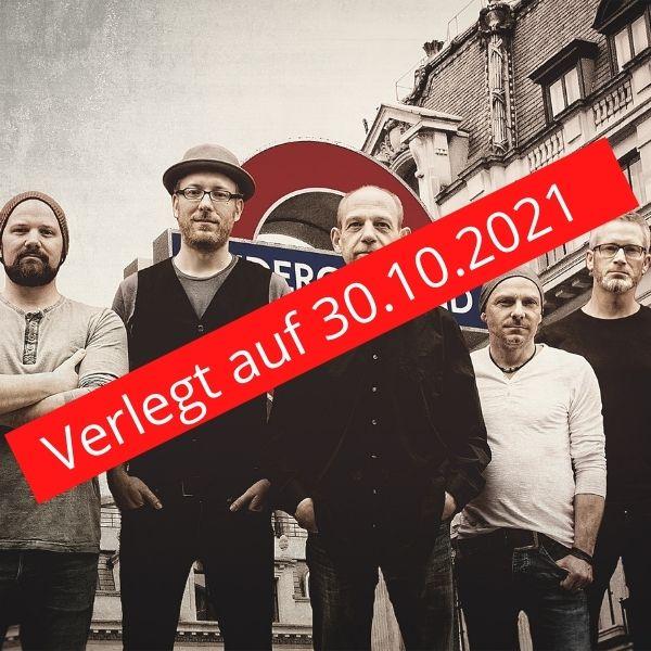 """Die Band Brothers in Arms und ein Schriftzug mit rotem Hintergrund """"Verlegt auf 30.10.2021"""""""