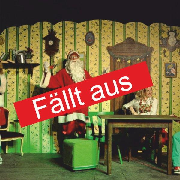 """Bühnenbild des Kindertheaters Es ist ein Elch entsprungen mit dem Schriftzug """"Fällt aus"""""""