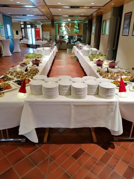 congress-center-ramstein-foyer-buffet-vorschau