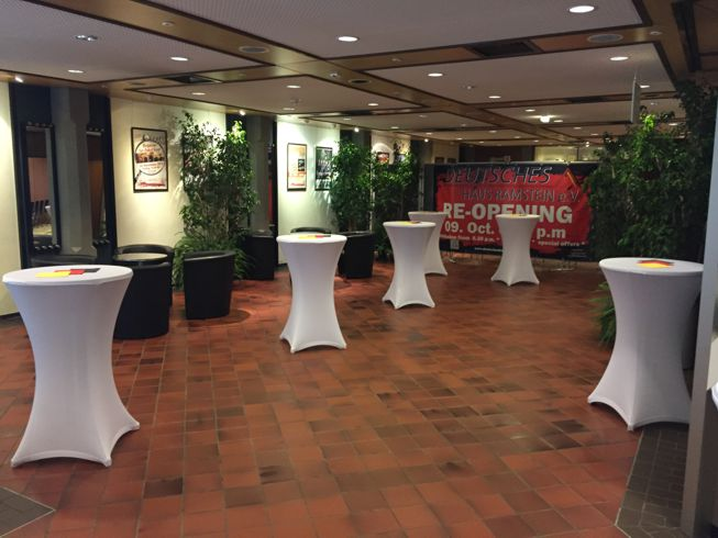 congress-center-ramstein-foyer-stehtische-vorschau