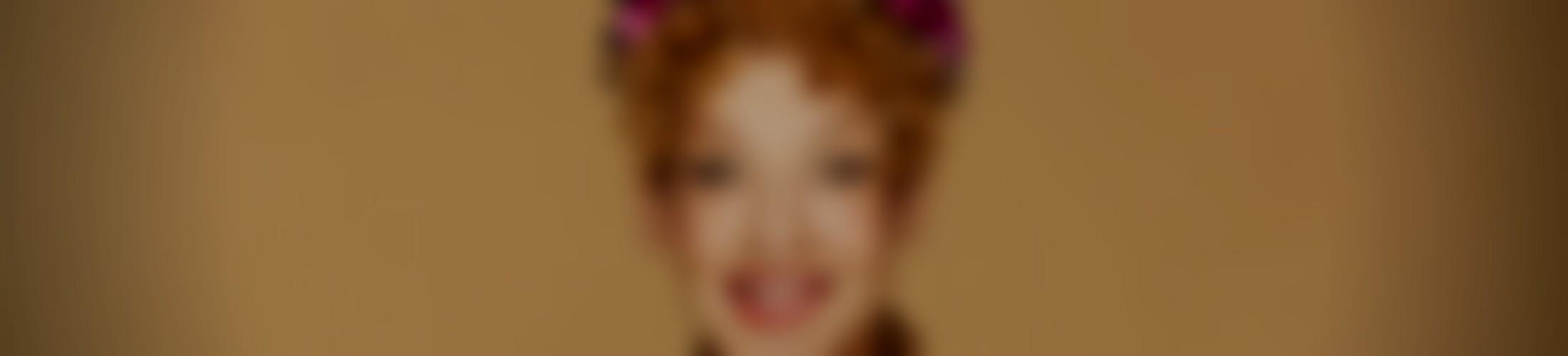 Verzerrtes Hintergrundbild von Sissi Perlinger